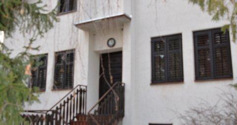 Mali Radanovac,Kuća