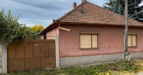 Újfalu,Ház