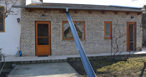 Novo Selo,Kuća