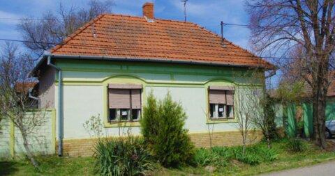 Stara Moravica,Kuća